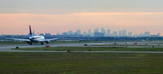 Bs_takeoff_at_JFK_808988