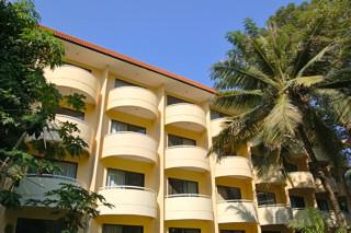 Bs_exterior_ hotel_986803