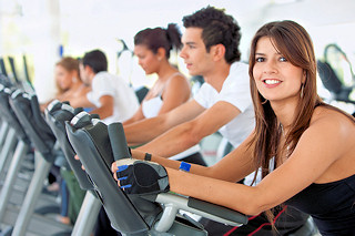 Bs_Gym_People_On_Cardio_Machines_5898445