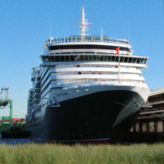 Cunard Queen Victoria cruise ship in Long Beach
