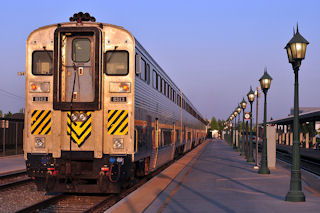 Bs_Amtrak_Train_3380328