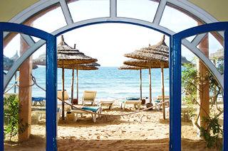 Bs_Portal_to_a_marvelous_beach_12658193